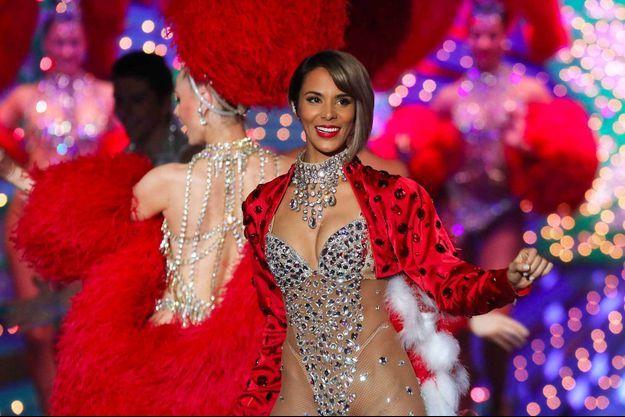 Shy'm sur scène dans «Tous au Moulin-Rouge pour le Sidaction».