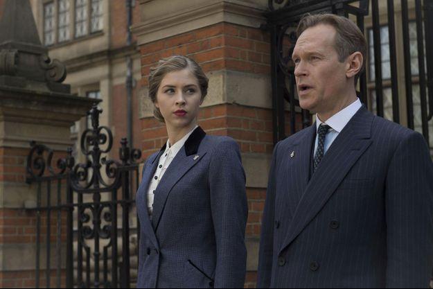 Hermione Corfield (Emma Garland) et Steven Mackintosh (Richard Garland).