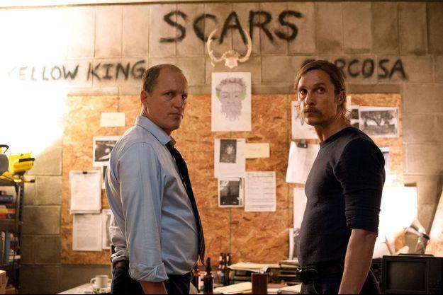 "Le duo Woody Harrelson et Matthew McConaughey porte ""True Detective"" jusqu'au sommet."