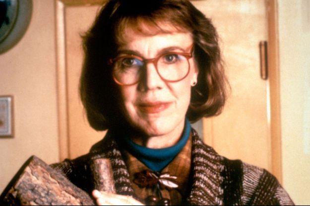 Catherine E. Coulson était la femme à la bûche.