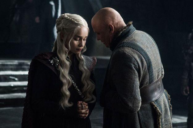 """Daenerys Targaryen (Emilia Clarke) et Varys (Conleth Hill) dans l'épisode 3 de la saison 7 de """"Game of Thrones""""."""