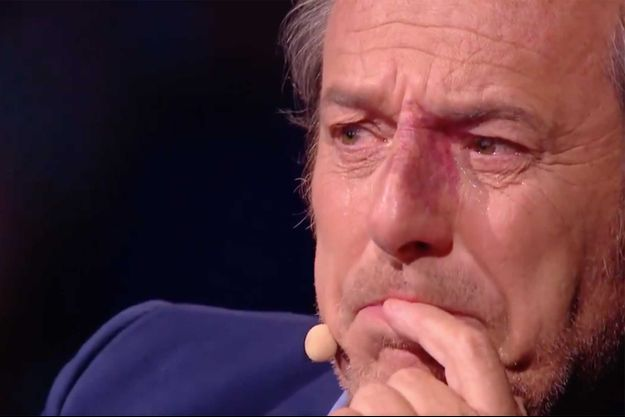 """Jean-Luc Reichmann dans """"La chanson secrète""""."""