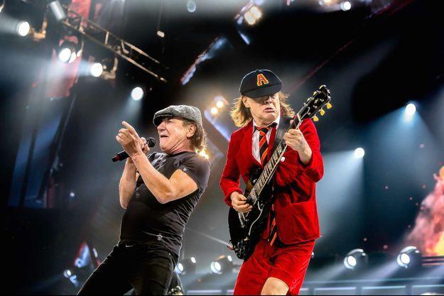 Brian Johnson et Angus Young en concert avec AC/DC en 2015.