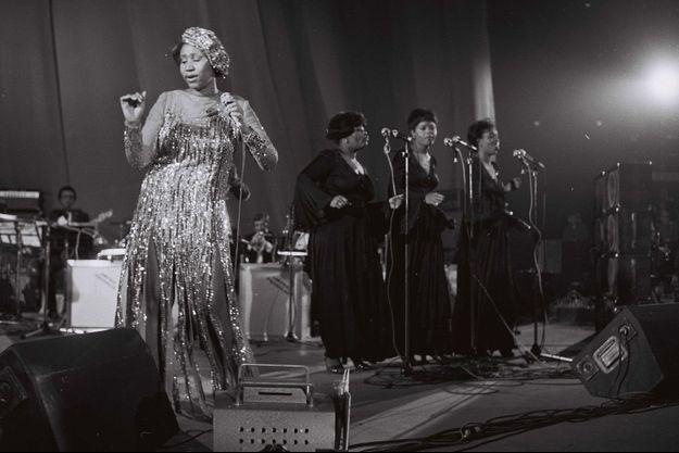 Aretha Franklin en concert à Paris en 1977.