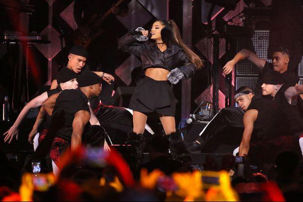 Ariana Grande en concert à Manhattan (Etats-Unis), en décembre 2016.
