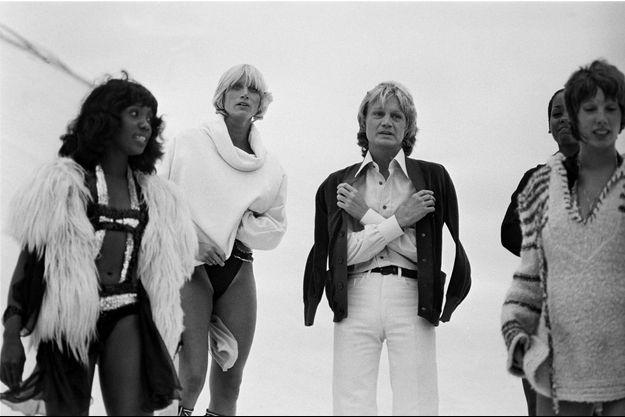 Claude François et ses Clodettes, dont Sandra, à gauche, à Deauville, en 1976.