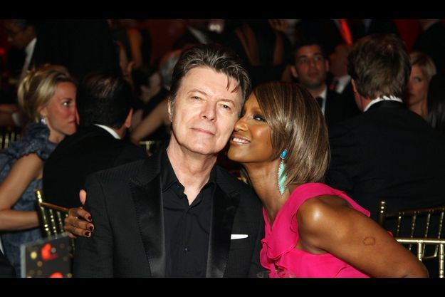 David Bowie et son épouse Iman lors d'un gala à New York en avril 2011.