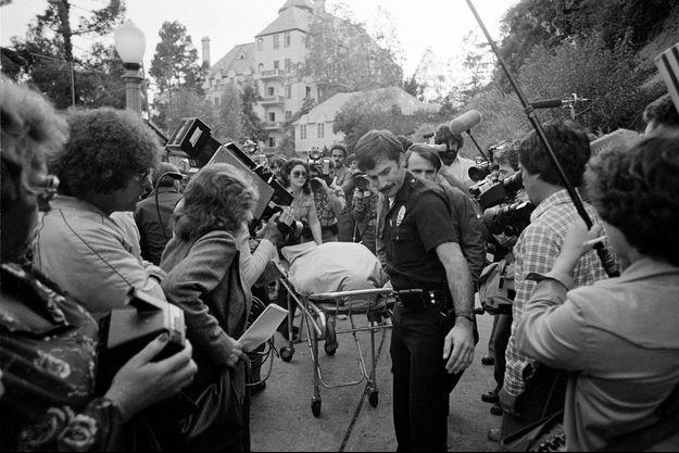 Le corps de John Belushi après son overdose fatale au Chateau Marmont