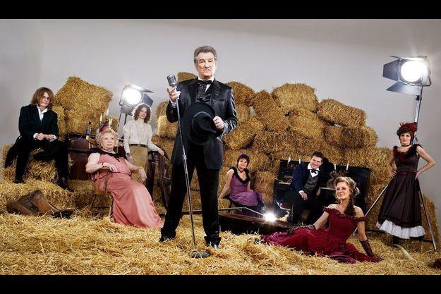 En 2007, Eddy Mitchell posait avec sa famille dans un décor western pour notre photographe.