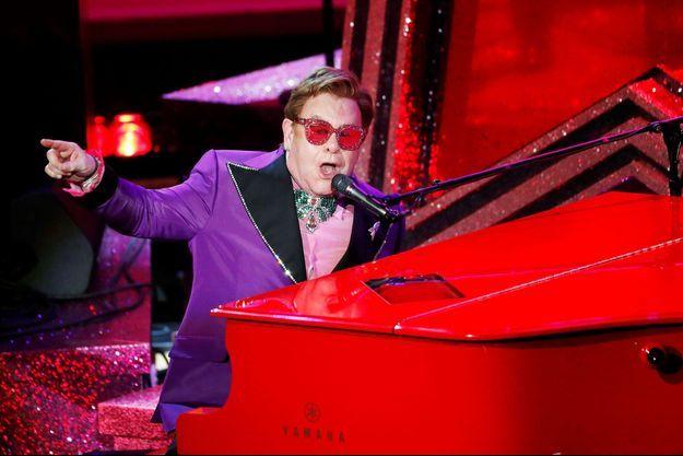 Elton John en concert.