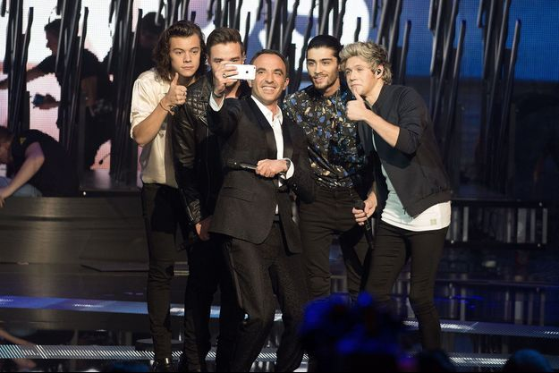 Nikos Aliagas et le groupe One Direction