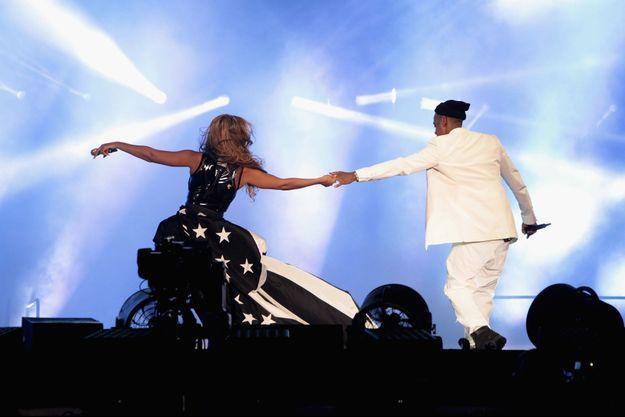 Beyoncé et Jay Z sur la scène du Stade de France.