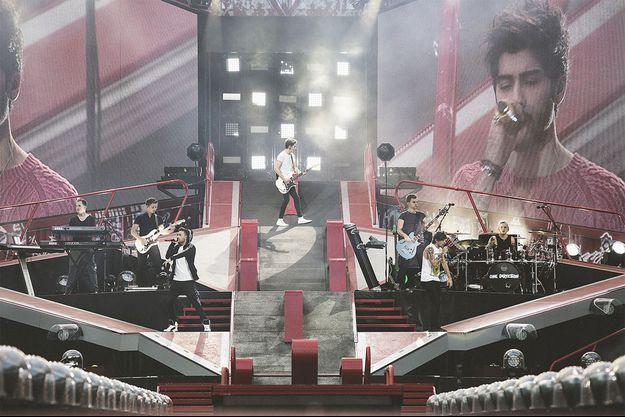 Les One Direction ont mis le feu au Stade de France vendredi.