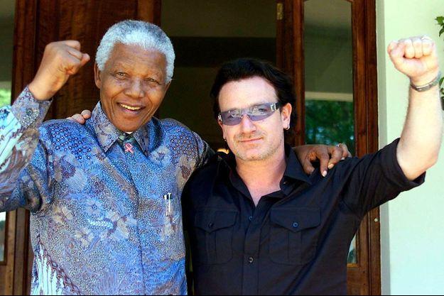 Nelson Mandela et Bono en 2002 à Johannesburg.