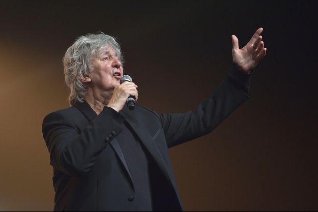 Jacques Higelin en concert à Paris, en octobre 2015.