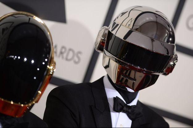 Guy-Manuel de Homem-Christo et Thomas Bangalter, les célèbres Daft Punk, avant la soirée des 56e GRAMMY Awards, à Los Angeles, le 26 janvier 2014.