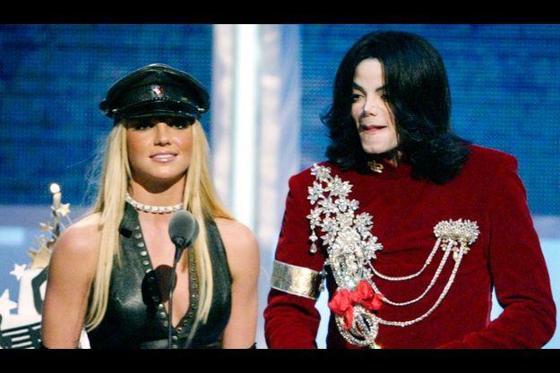Britney Spears a chanté à plusieurs reprises avec Michael Jackson.