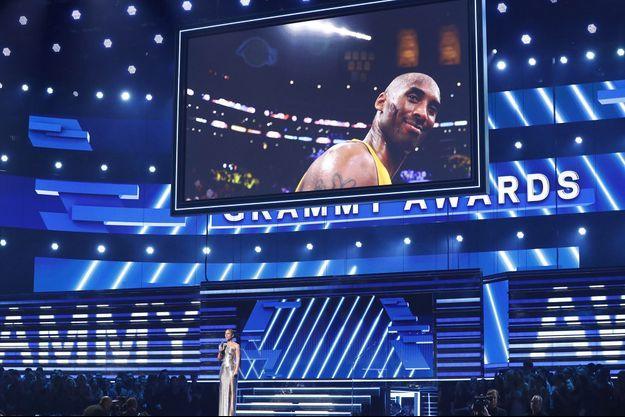 Alicia Keys lors de son discours hommage à Kobe Bryant lors des Grammy Awards, dimanche, à Los Angeles.