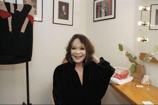 Juliette Gréco, dans sa loge lors du Festival de Ramatuelle 2004.