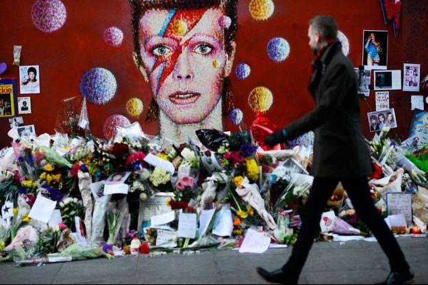 Un mémorial en hommage à Davis Bowie à Londres.
