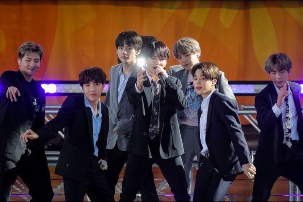 Le groupe BTS annonce une pause.