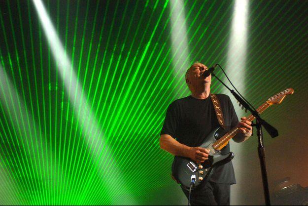 Le guitariste David Gilmour sur scène en 2006.