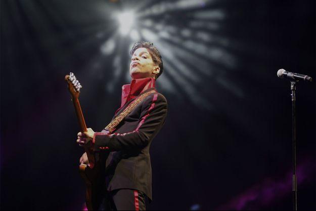 Prince sur scène en 2010