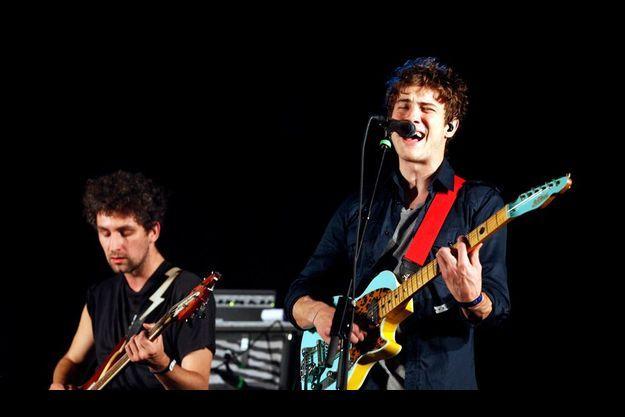 Le guitariste Ben Goldwasser (à g.) et le chanteur Andrew Van Wyngarden de MGMT, en concert au All Points West Music Festival de Liberty State Park au New Jersey l'an dernier.