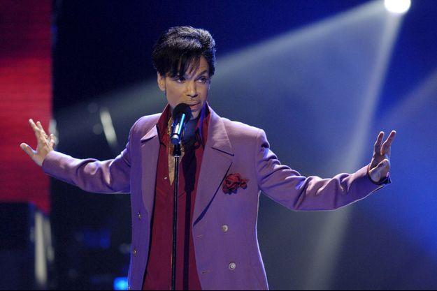Le chanteur Prince est décédé.