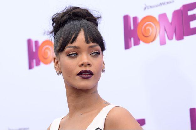 """Rihanna dévoile son nouveau single, """"Bitch Better Have My Money"""""""