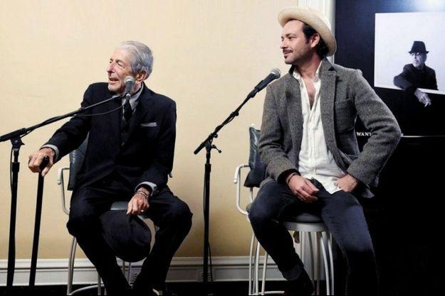 Adam et son père, à Hydra dans les années 1970 et à Los Angeles en 2016.