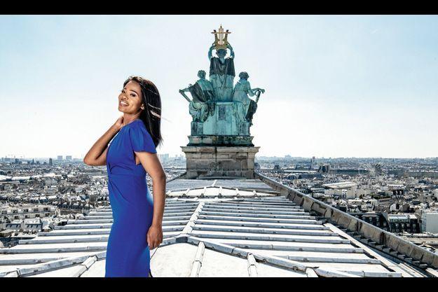 Pretty Yende sur le toit de l'opéra de Paris