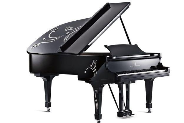 L'Heliconia, un piano Steinway réalisé en association avec Lalique