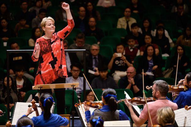 Marin Alsop en février 2019 à Hong Kong.