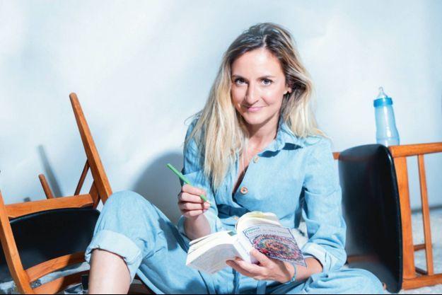 Camille Chamoux : le rire contre la montre