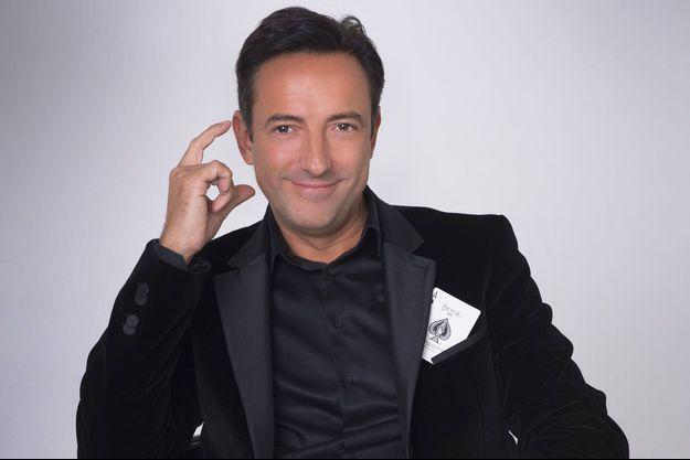 Antonio le magicien, en spectacle à l'Apollo Théâtre à Paris.