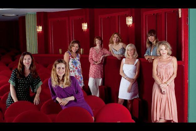 De g. à d.: Anne Brochet, Audrey Dana Corine Touzet, Delphine Rich, Juliette Meyniac, Elisa Servier, Axelle Laffont, Fanny Cottençon. En juillet, au théâtre Hébertot, à Paris.