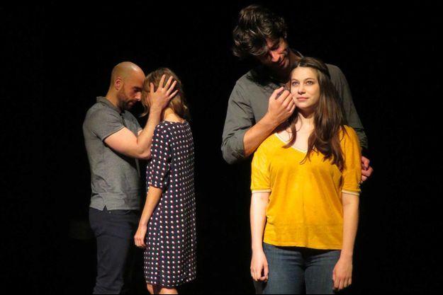 Florence Coste, Nicolas Taffin, Mathilde Moulinat et Grégory Core, les acteurs des «Passagers de l'aube».