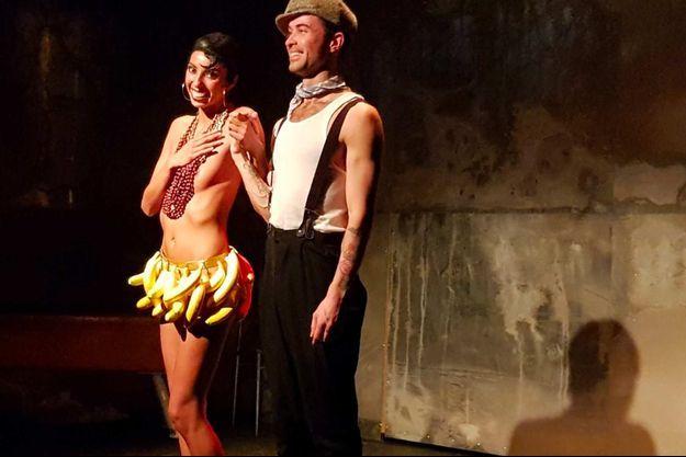 Clarisse Caplan et Thomas Armand sur scène.