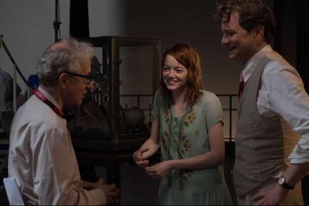 "Colin Firth et Emma Stone avec Woody Allen sur le tournage de ""Magic in the Moonlight""."