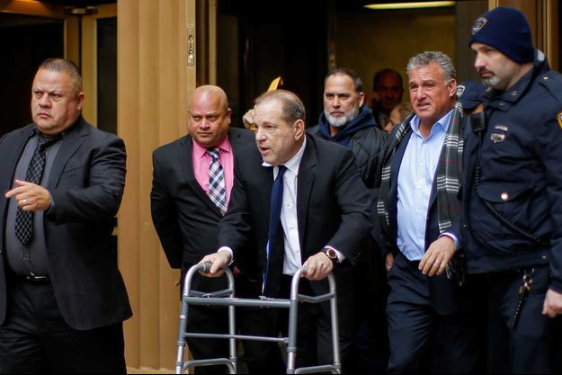 Harvey Weinstein à la sortie du tribunal de New York, le 11 décembre.
