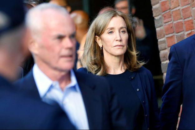 Felicity Huffman à la sortie du tribunal.