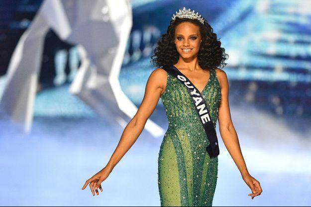 Alicia Aylies, Miss Guyane, 18 ans, a été élue Miss France 2017.