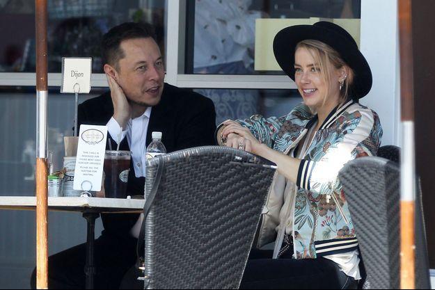 Amber Heard et Elon Musk au restaurant le 11 juin 2017