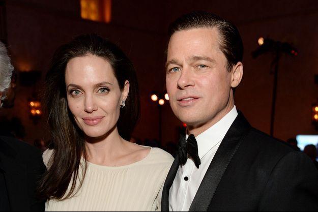 Angelina Jolie et Brad Pitt en novembre 2015, moins d'un an avant leur rupture