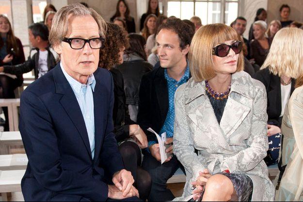 Anna Wintour et Bill Nighy, pas encore amoureux mais déjà proches, en 2012 pendant la Fashion Week de Londres.