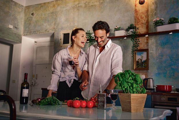 Ces cinq dernières années, il préparait les repas de ses filles Loup et Liv. Aujourd'hui, il cuisine pour Sveva.