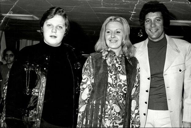 Tom Jones, sa femme Linda et leur fils Mark.
