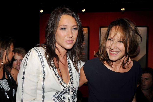 Laura Smet et Nathalie Baye.