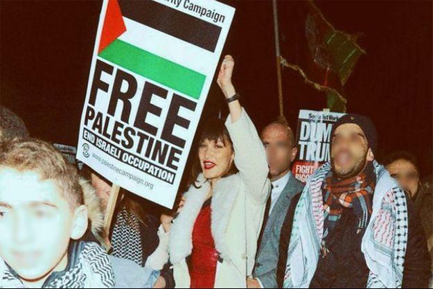 Bella Hadid lors d'une manifestation pro-palestinienne à New York en 2017